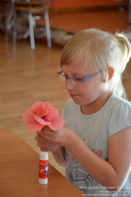 Galeria WKB SZUM Kwiaty z krepiny