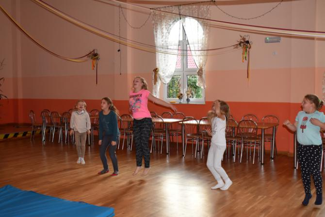 Galeria akrobatyczne warsztaty mażoretkowe