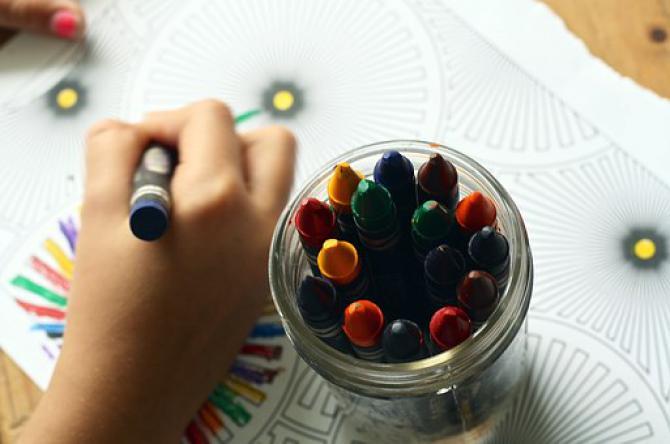 crayons-1445053__340.jpeg