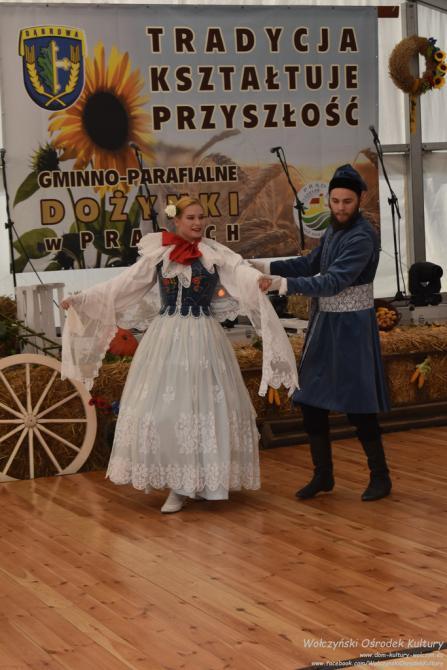 """Galeria Występ """"Modrzewiaków"""" na Dożynkach w Prądach"""