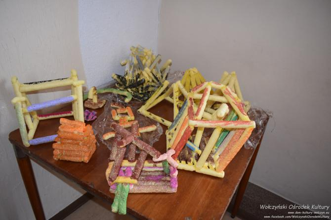 Galeria Ferie - zaczarowany ogród - konstrukcje przestrzenne
